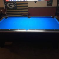 7ft Valley pool table with Accessories and Light